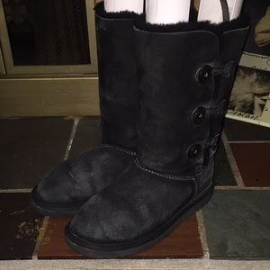 UGG Bailey Button Black Boots Size 4 S/N 1962